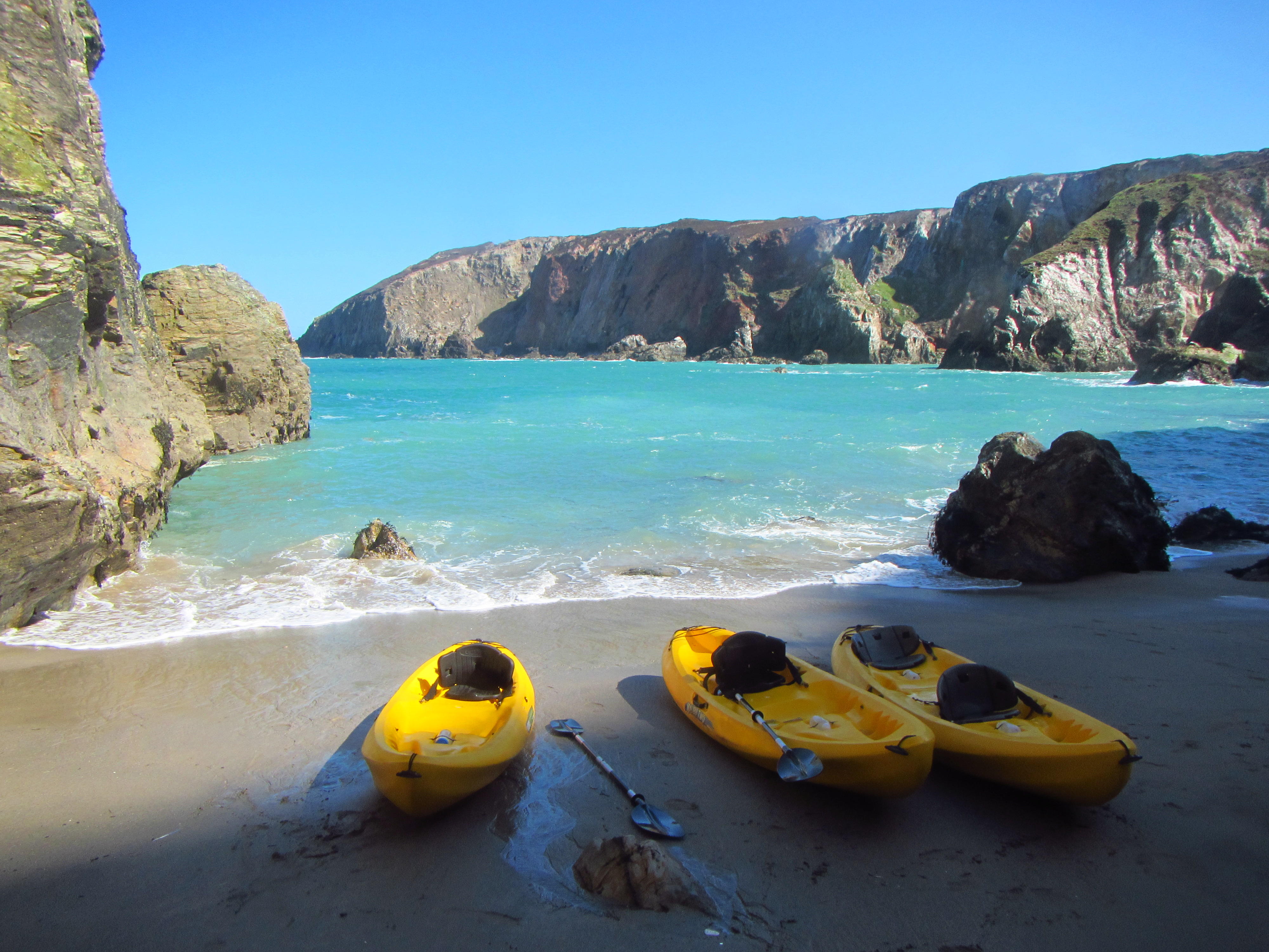 Secluded beaches by kayak with Koru!