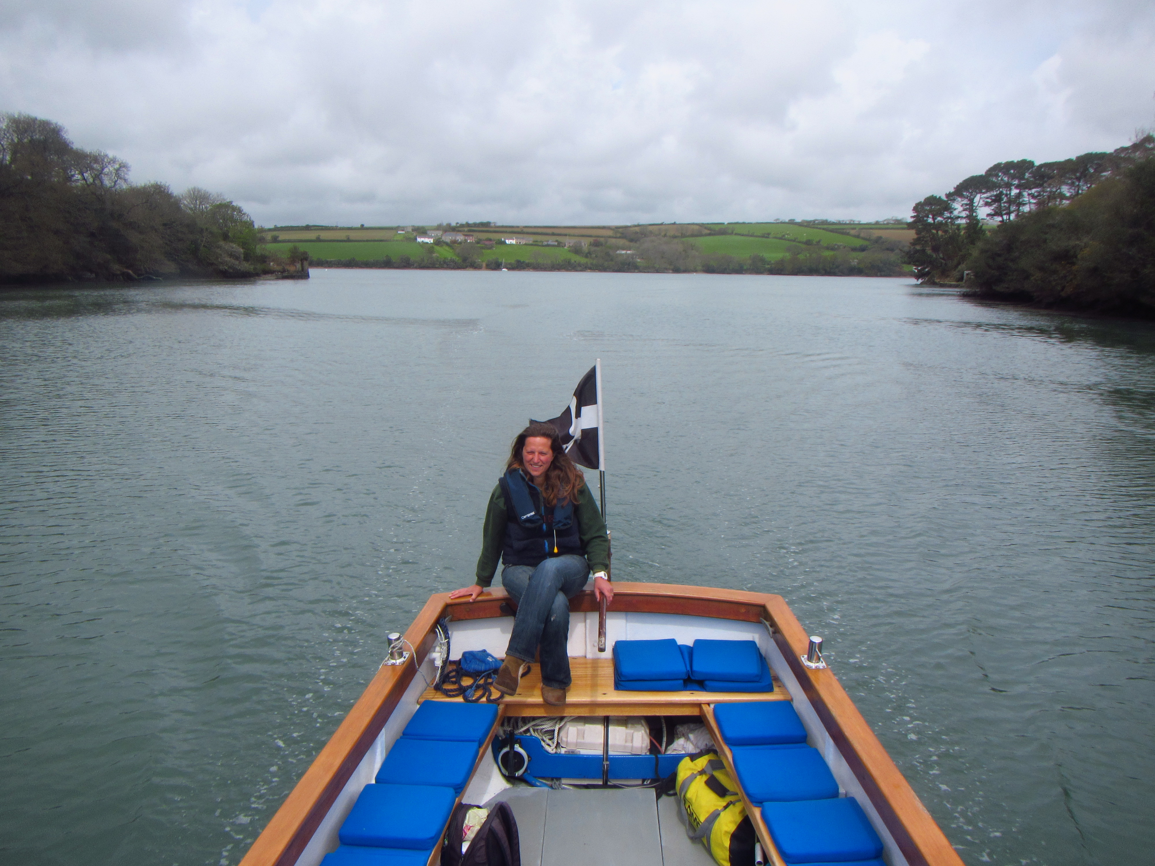 Hetty driving Hannah Molly, Helford River Cruises