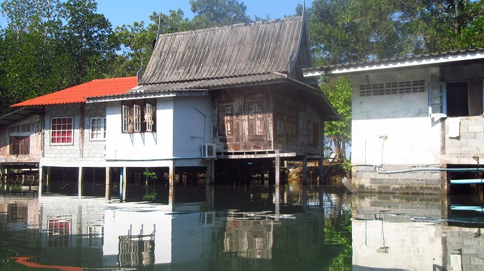 houses on stilts koh kood