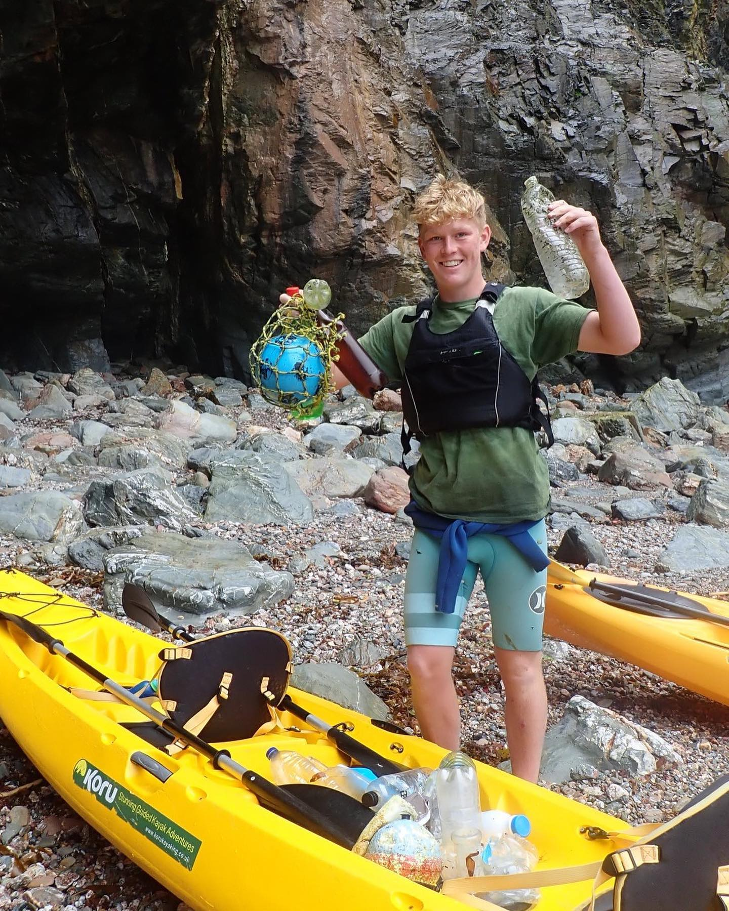 Koru do litter picking on the secret coves