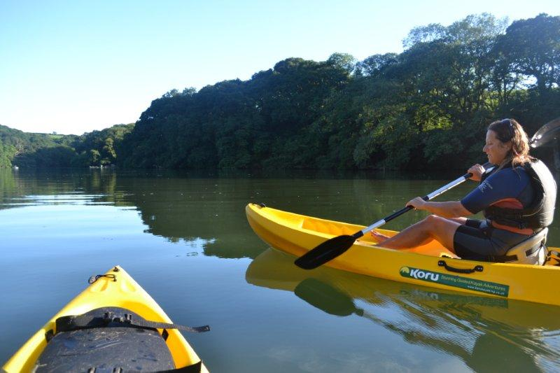 kayaking, frenchmans creek cornwall, uk, daphne du maruier